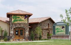 Photo for: How To Pitch Your Brand In National Restaurant Chains